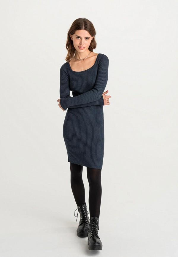 Фото 2 - Женское платье Befree серого цвета