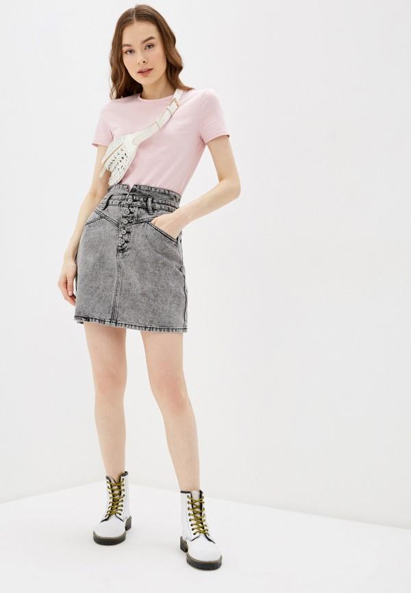 Фото 2 - Юбку джинсовая Befree серого цвета