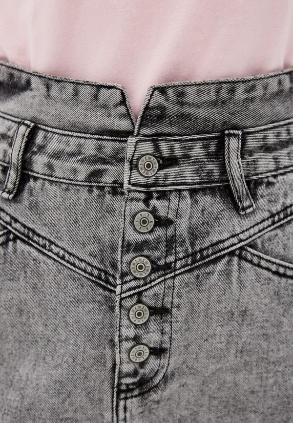 Фото 4 - Юбку джинсовая Befree серого цвета
