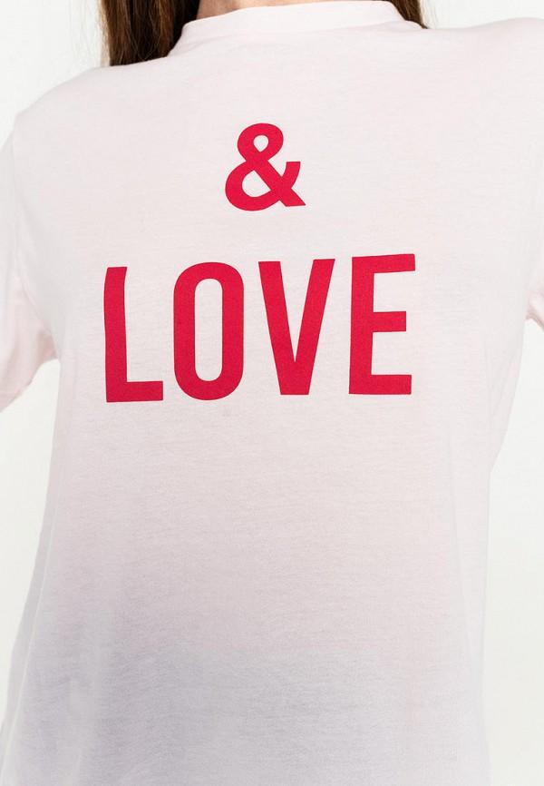 Фото 4 - Женскую футболку Befree розового цвета