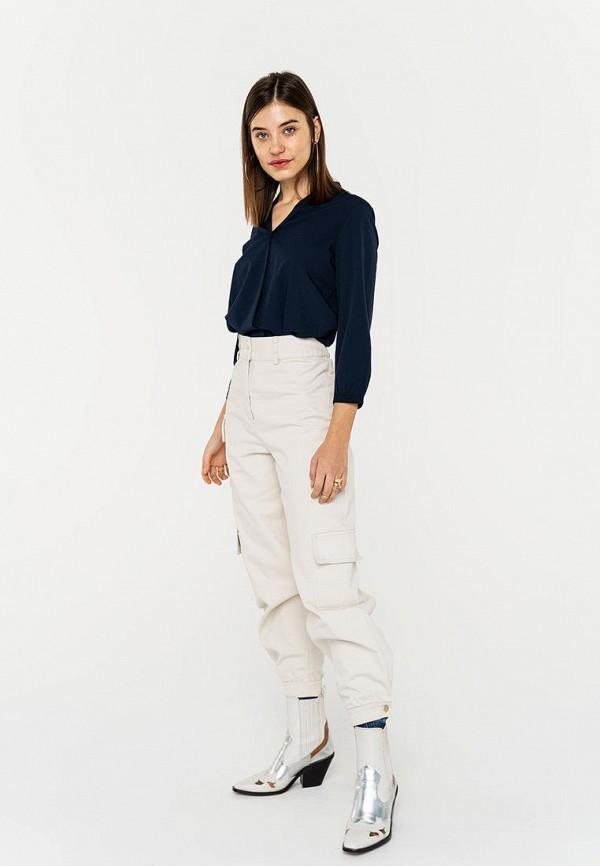 Фото 2 - Женскую блузку Befree синего цвета