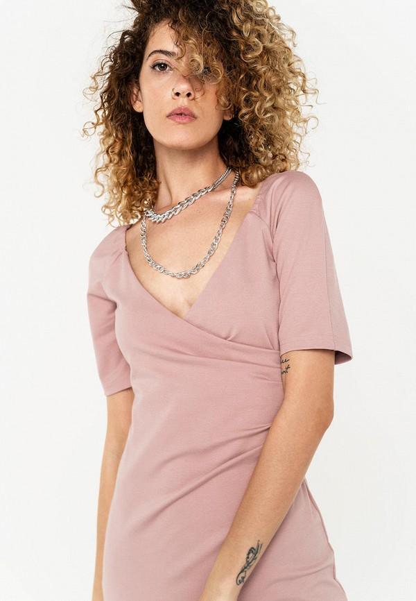 Фото 2 - Женское платье Befree розового цвета