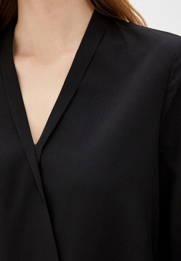 Фото 4 - Женскую блузку Befree черного цвета
