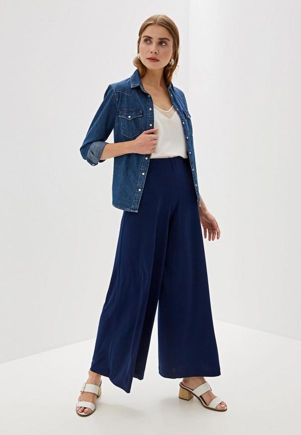 Фото 2 - Женские брюки Alina Assi синего цвета