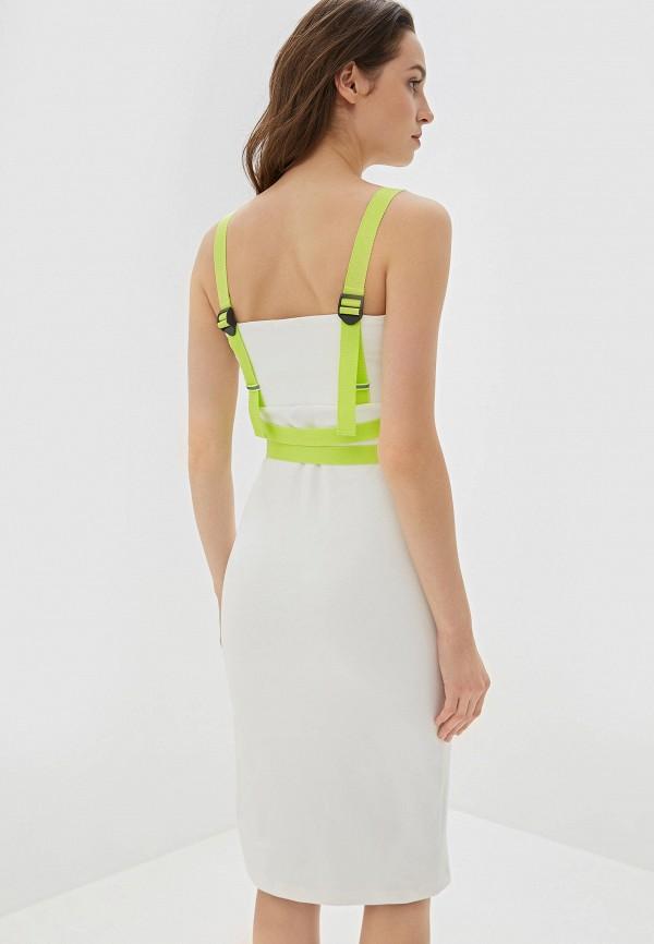 Фото 3 - Женское платье Malaeva белого цвета