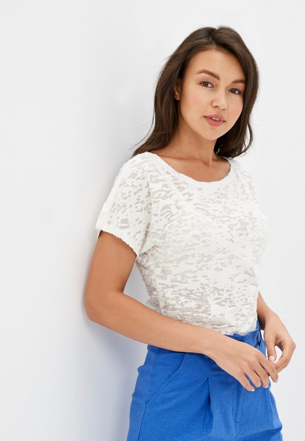Фото - Женскую футболку Leleya белого цвета