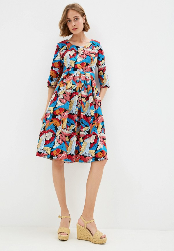 Фото 2 - Женское платье Gabriela разноцветного цвета