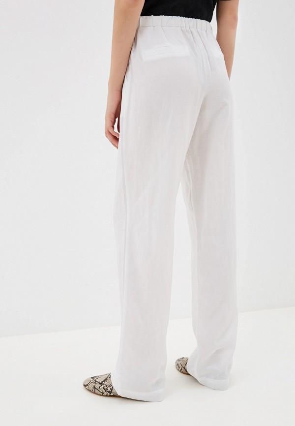 Фото 3 - Женские брюки Laete белого цвета