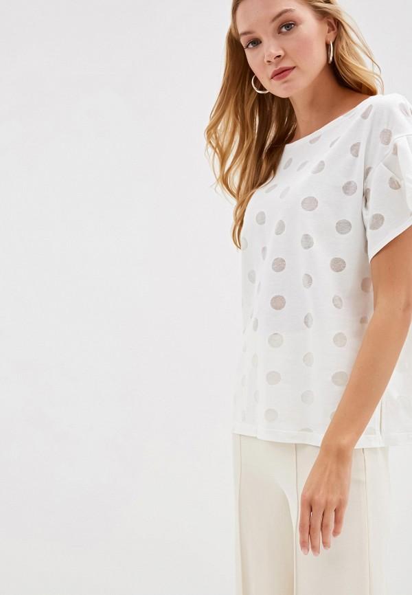 Фото - Женскую футболку Victoria Kuksina белого цвета