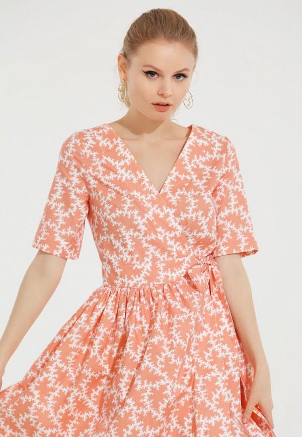Фото 2 - Женское платье Victoria Kuksina кораллового цвета