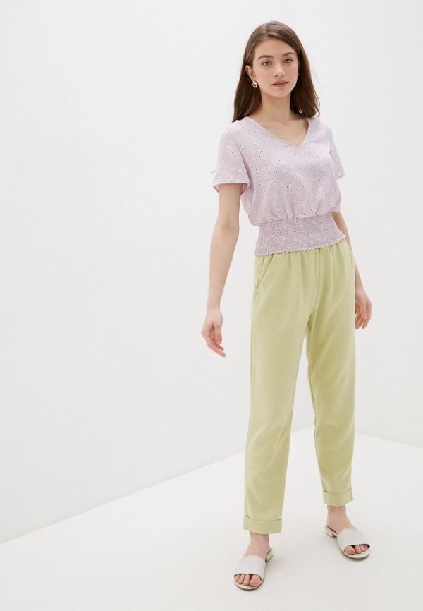 Фото 2 - Женскую блузку Befree фиолетового цвета