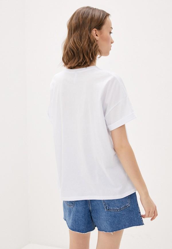 Фото 3 - Женскую футболку Befree белого цвета