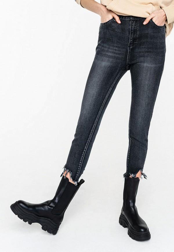 Фото - Женские джинсы Befree серого цвета