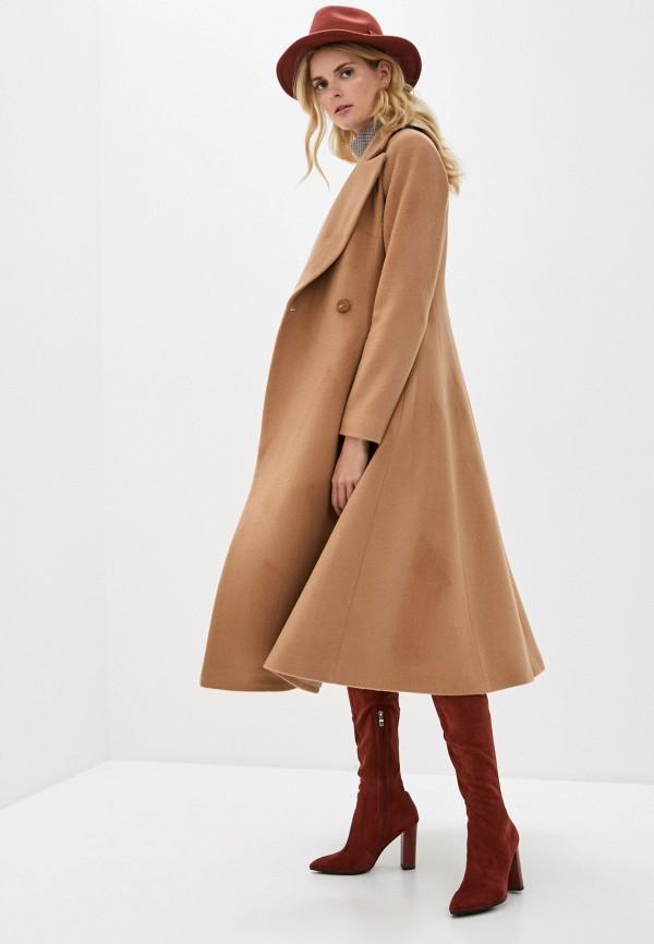 Фото 2 - Женское пальто или плащ Aylin Stories бежевого цвета