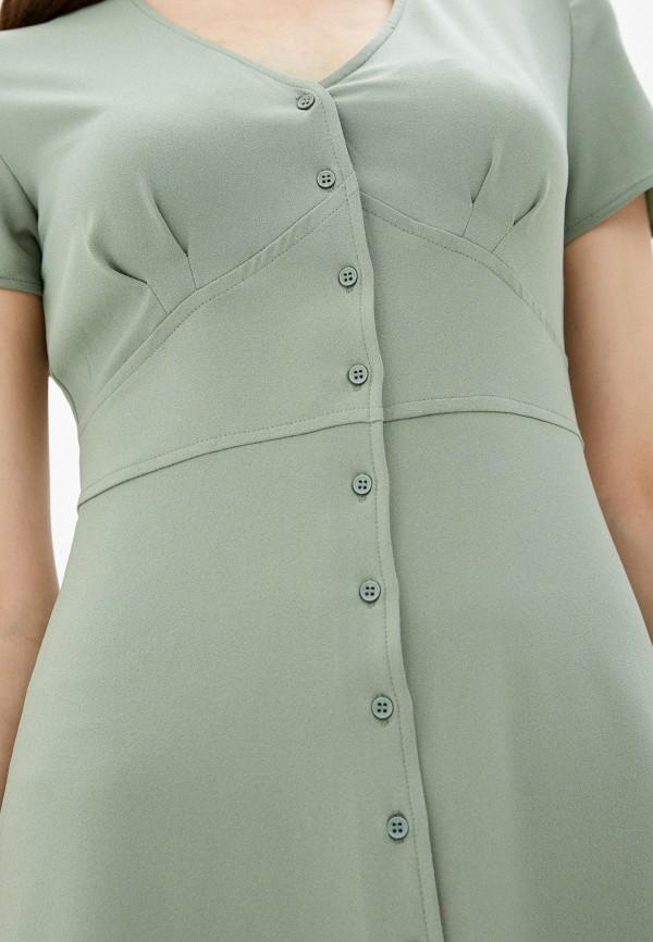 Фото 4 - Женское платье Befree зеленого цвета