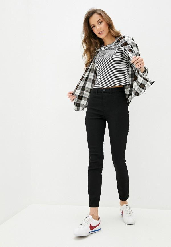 Фото 2 - Женские джинсы Befree черного цвета