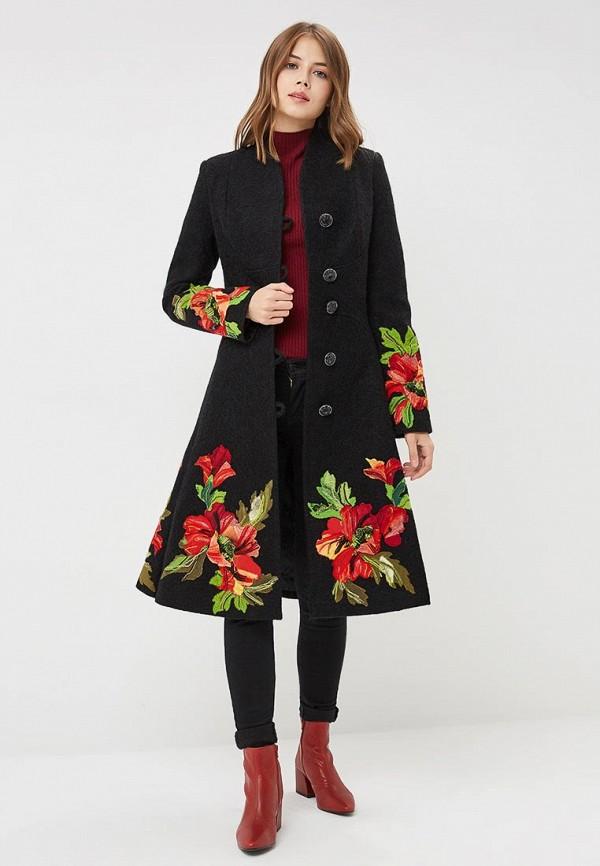 Фото 2 - Женское пальто или плащ Yukostyle черного цвета