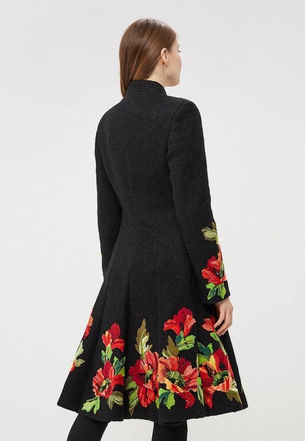 Фото 3 - Женское пальто или плащ Yukostyle черного цвета