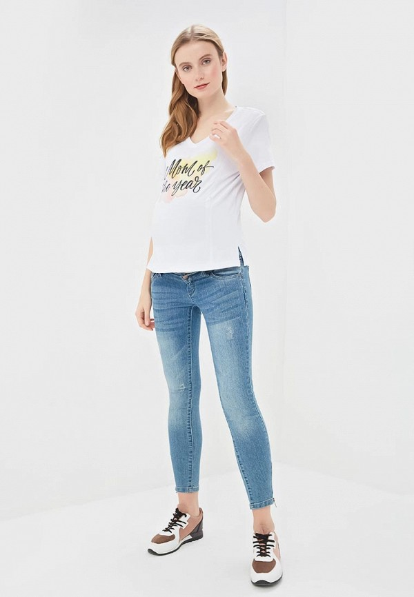 Фото 2 - Женскую футболку Chic mama белого цвета