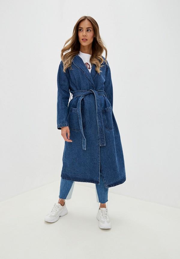 Фото - Женское пальто или плащ NA-KD синего цвета