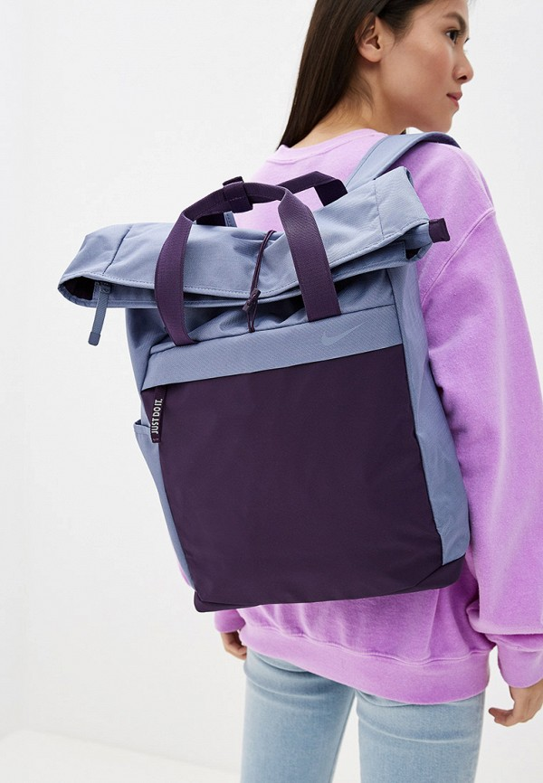 Фото 4 - женский рюкзак Nike фиолетового цвета