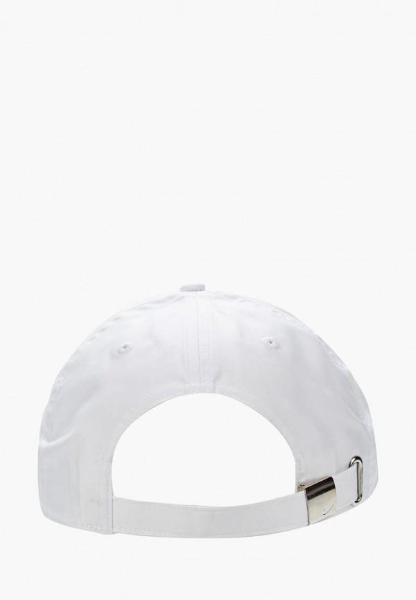 Фото 2 - Бейсболка Nike белого цвета