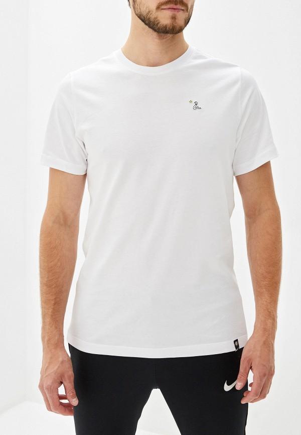 Фото - мужскую футболку Nike белого цвета