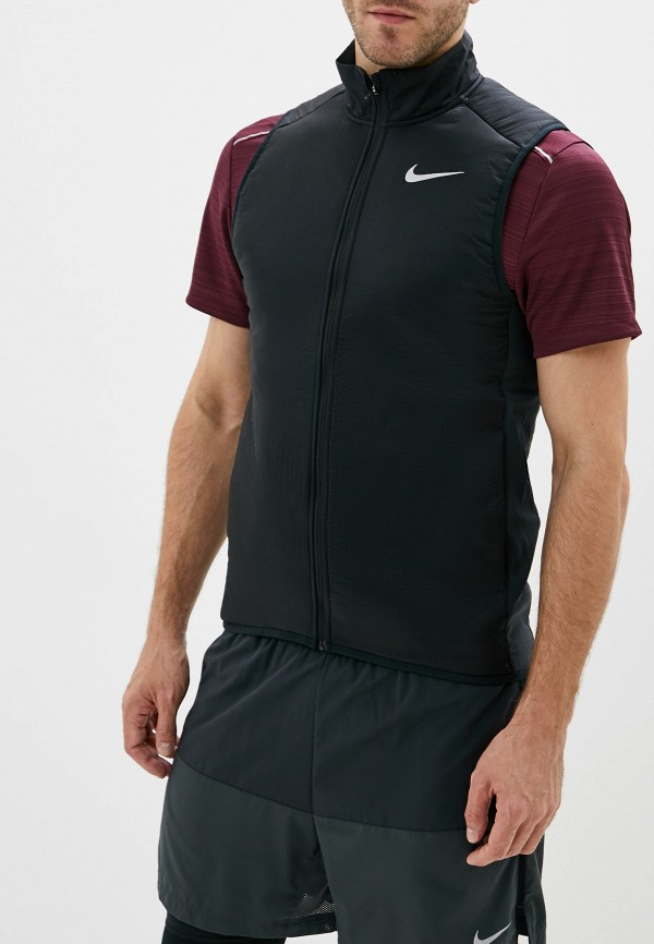 Фото - Жилет утепленный Nike черного цвета