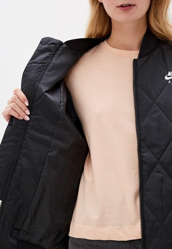 Фото 4 - Куртку утепленная Nike черного цвета