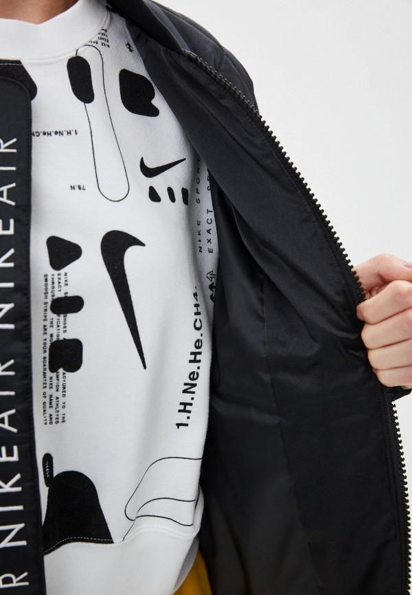 Фото 8 - Куртку утепленная Nike черного цвета