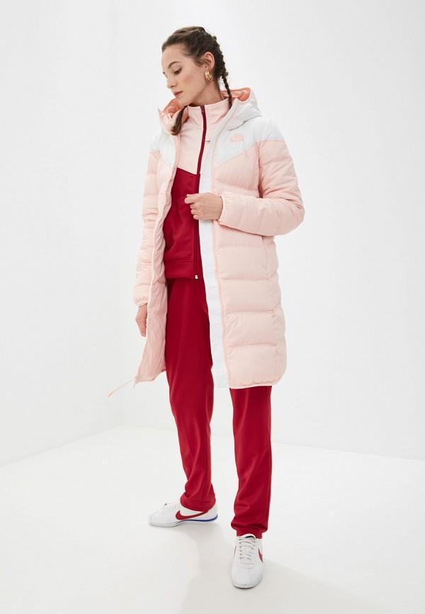 Фото 2 - Пуховик Nike розового цвета