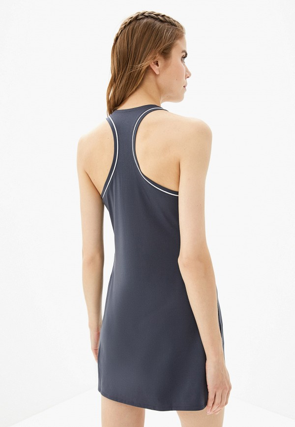 Фото 3 - женское платье Nike серого цвета