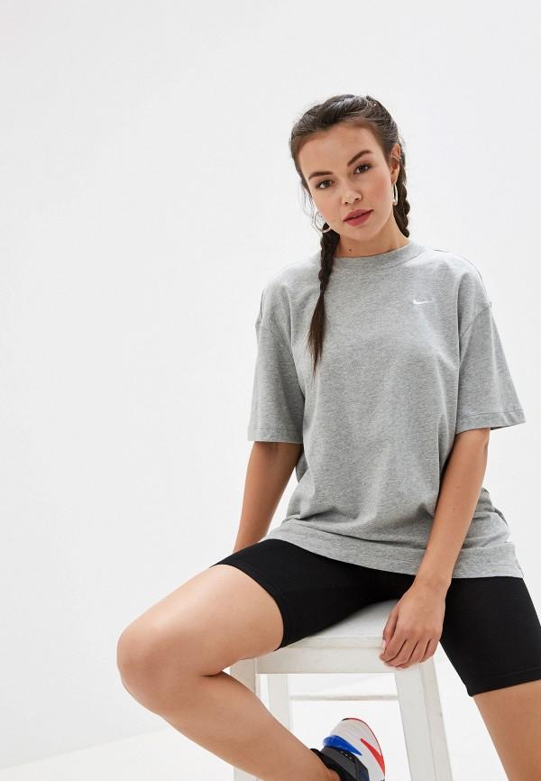 Фото - женскую футболку Nike серого цвета