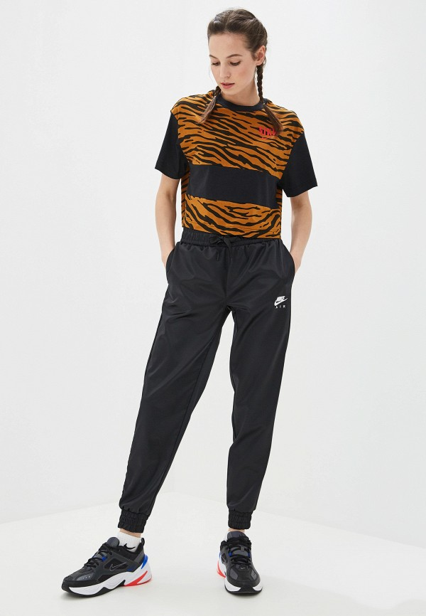 Фото 5 - женскую футболку Nike коричневого цвета