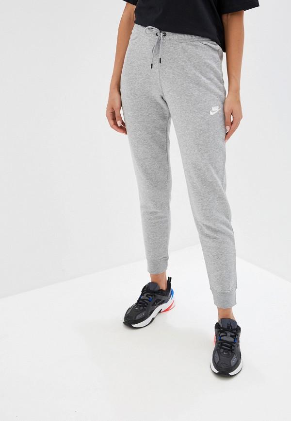 Фото - Брюки спортивные Nike серого цвета