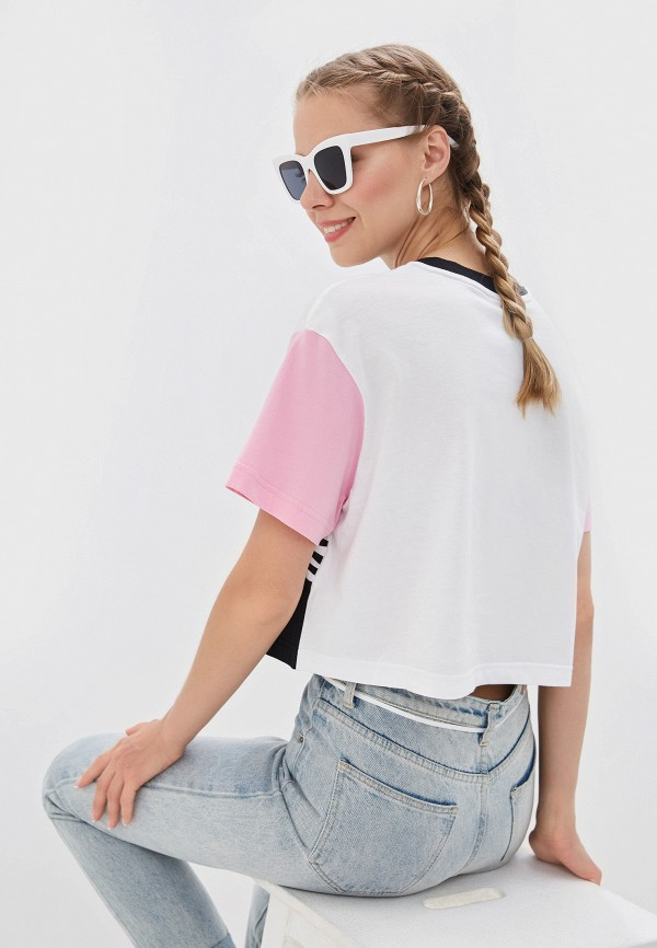 Фото 3 - женскую футболку Nike белого цвета