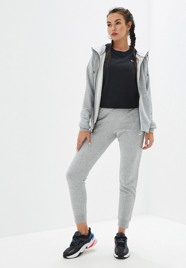 Фото 2 - женскую футболку Nike черного цвета