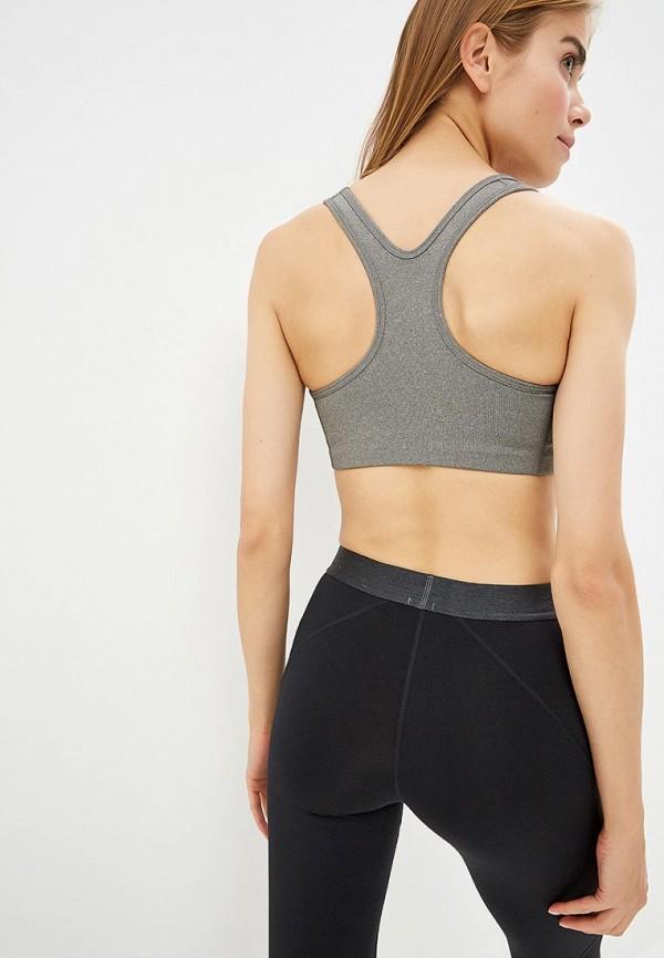 Фото 3 - Топ спортивный Nike серого цвета