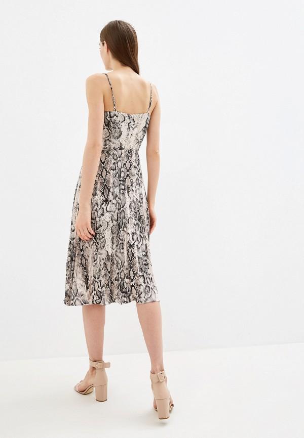 Фото 3 - Женское платье Oasis серого цвета