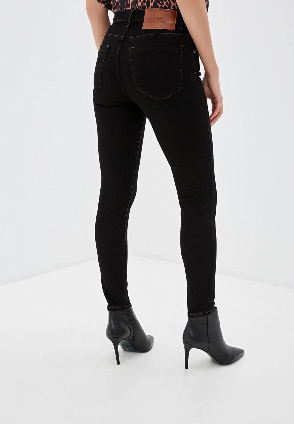 Фото 3 - женские брюки One Teaspoon черного цвета