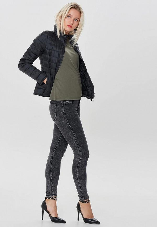 Фото 6 - Куртку утепленная Only черного цвета