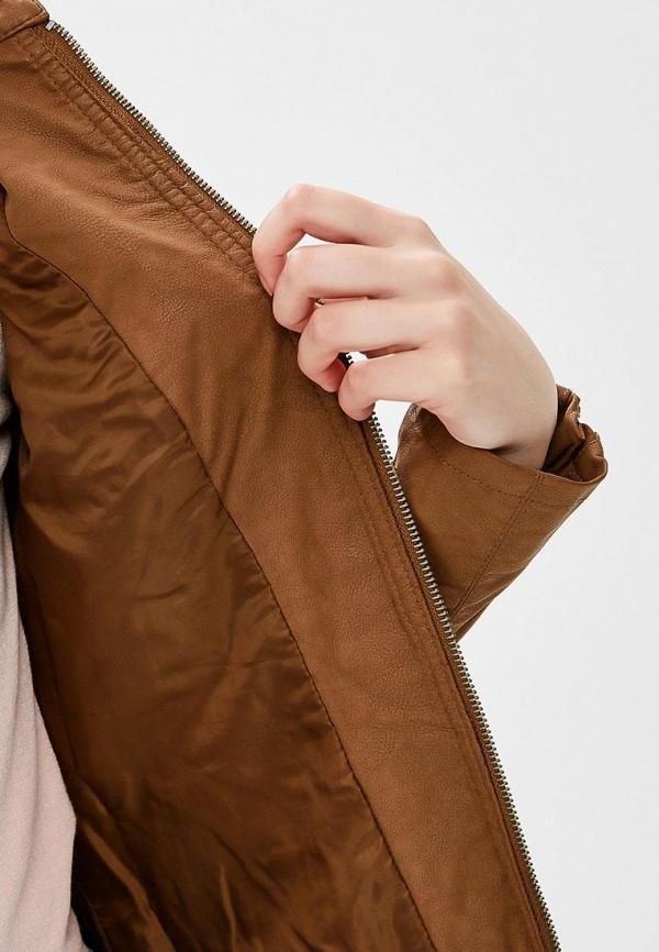 Фото 4 - Куртку кожаная Only коричневого цвета