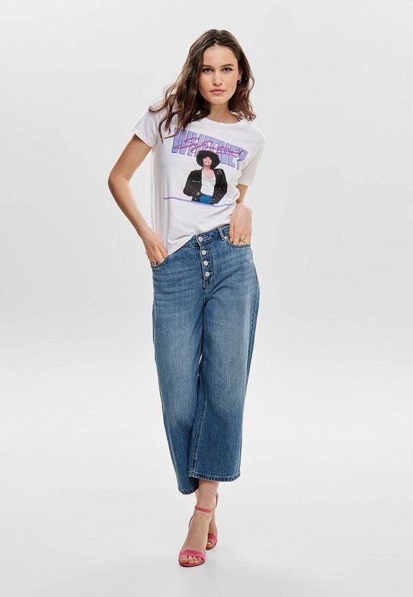 Фото 2 - женскую футболку Only белого цвета