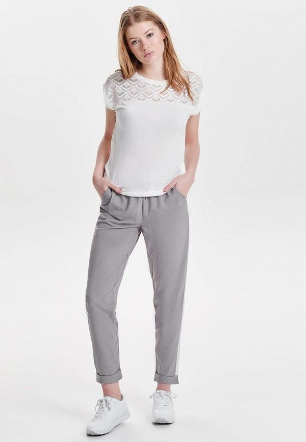 Фото 2 - женскую блузку Only белого цвета