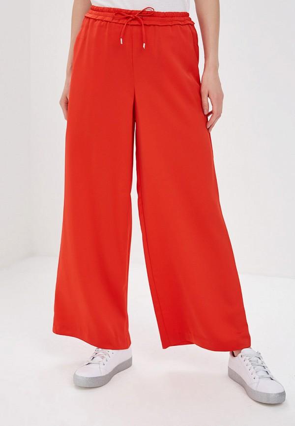 Фото - женские брюки Only красного цвета