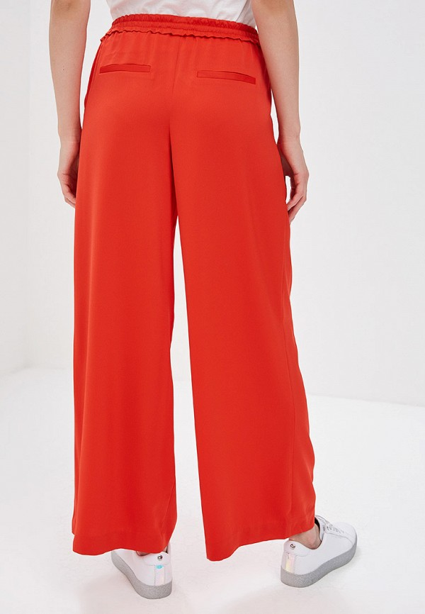 Фото 3 - женские брюки Only красного цвета