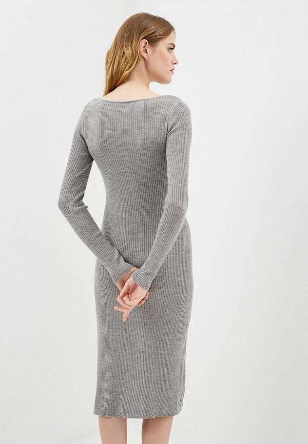 Фото 3 - женское платье Patrizia Pepe серого цвета