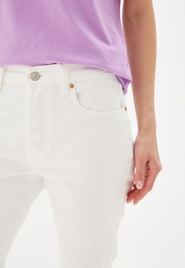Фото 4 - женские джинсы Polo Ralph Lauren белого цвета