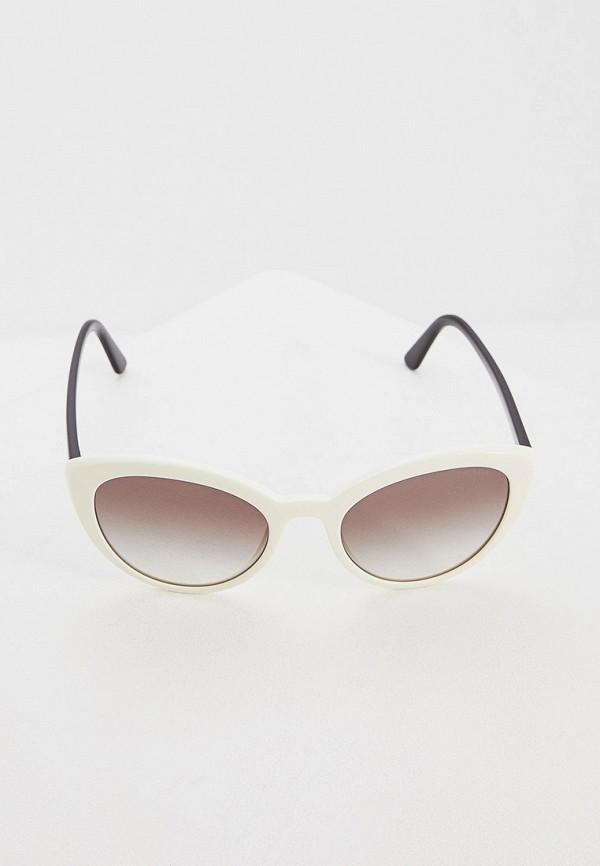 Фото 2 - Очки солнцезащитные Prada белого цвета