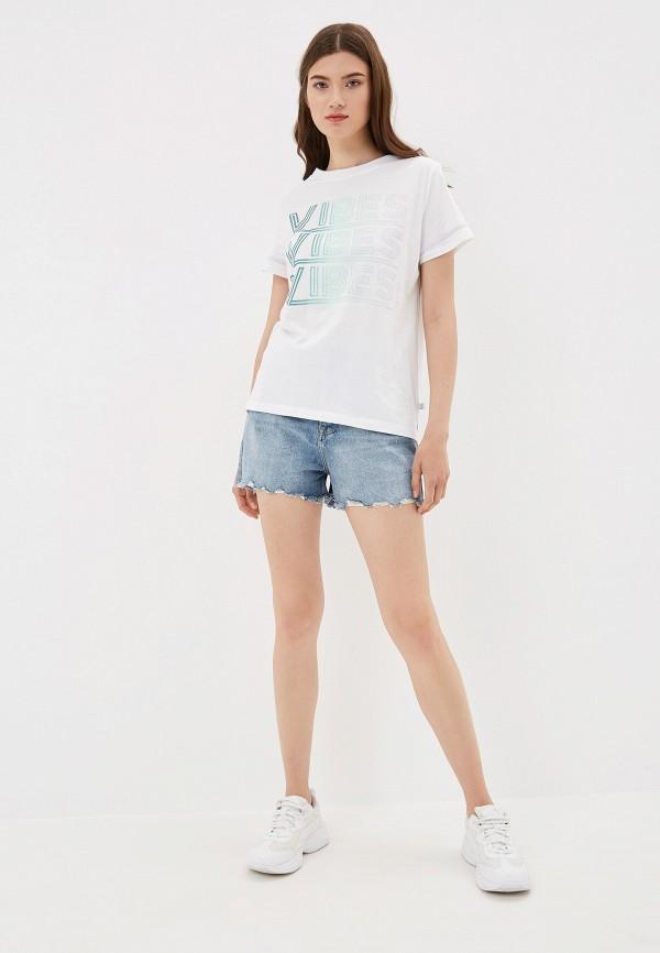 Фото 2 - Шорты джинсовые Q/S designed by голубого цвета